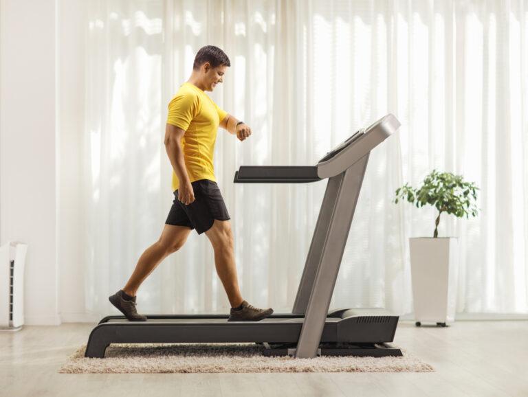 Quali esercizi si possono fare con il tapis roulant in casa